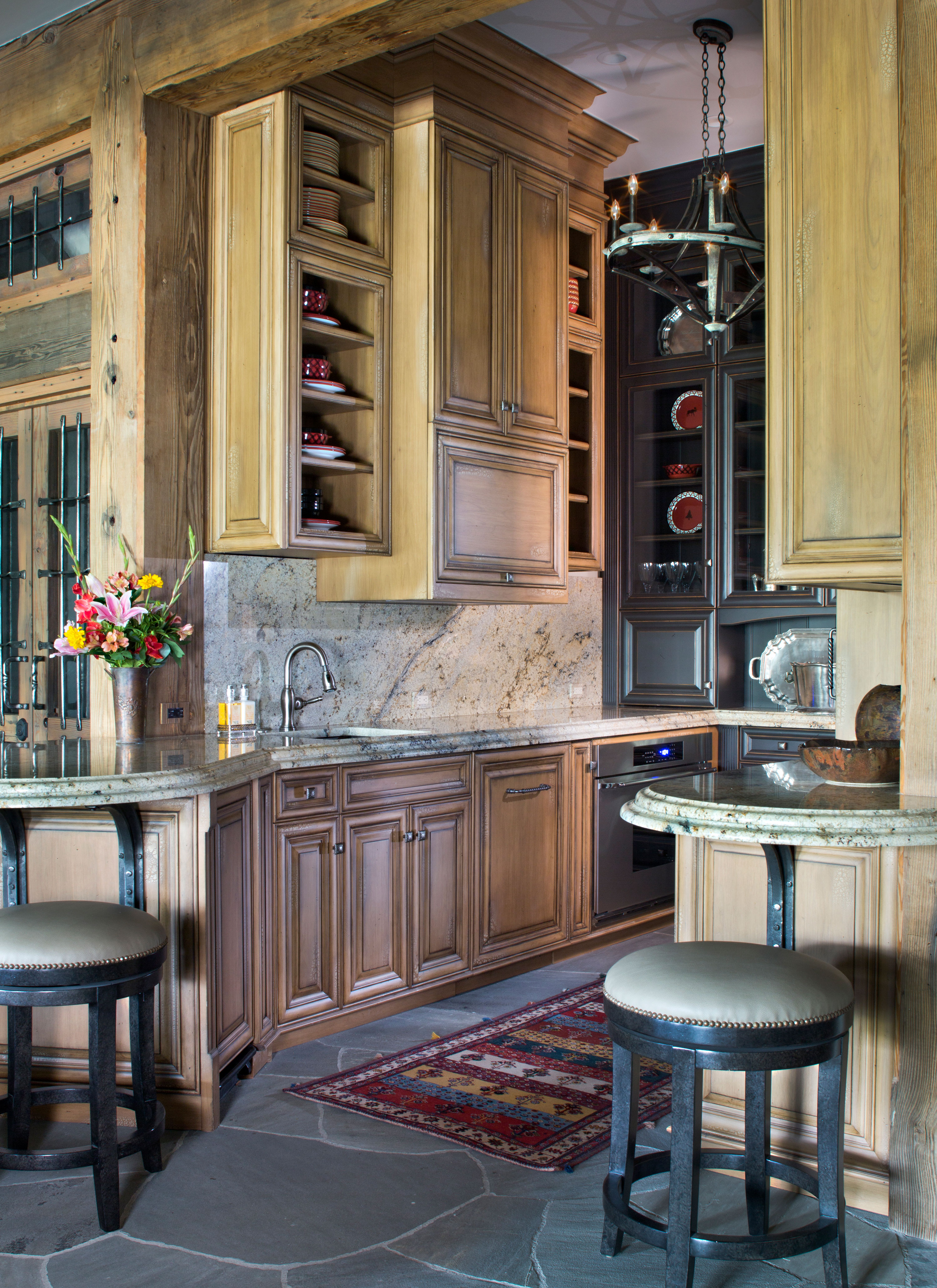 Country-Rustic Kitchen - Piney 2